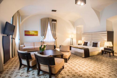 Buda Castle Fashion Hotel - 23 of 37