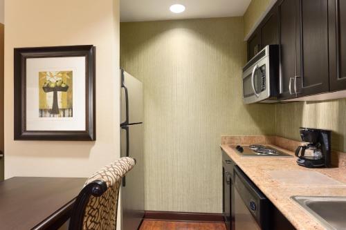 Homewood Suites Lafayette-Airport Photo