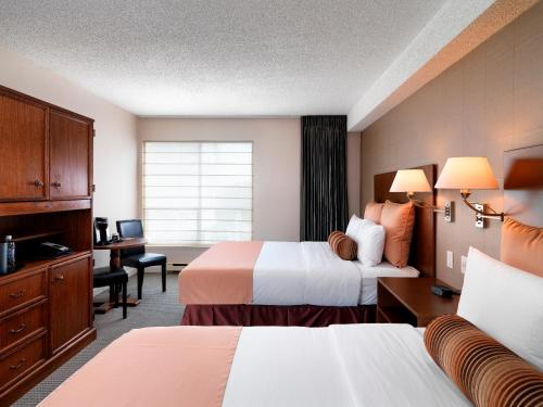 Huntingdon Manor Hotel - Victoria, BC V8V 1W3