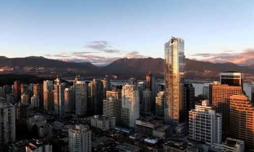 Shangri-la Hotel Vancouver - Vancouver, BC V6E 0A8