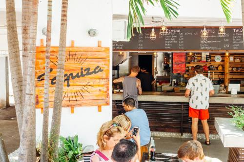 HI-Miami Beach Photo
