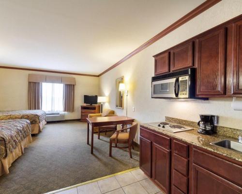 MainStay Suites Ingleside Photo