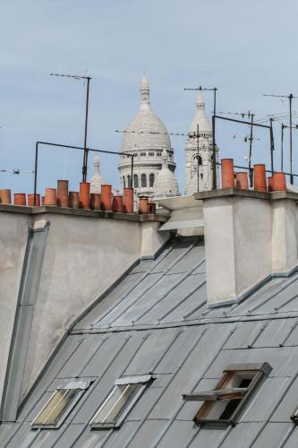 Vintage Gare du Nord by Hiphophostels Photo