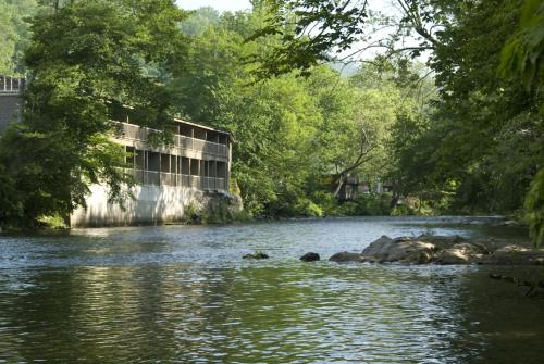Rivers Edge Motel Photo