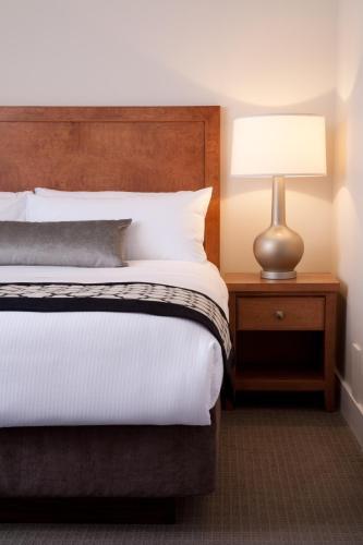 Hotel Rialto - Victoria, BC V8W 1N8