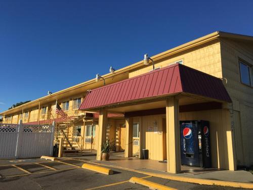 Travel Inn - Sunnyside, WA 98944