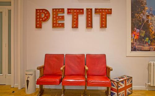 Petit Hotel photo 26
