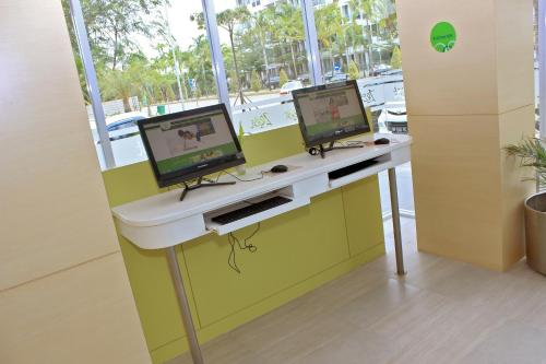Zest Hotel Harbour Bay Batam photo 7