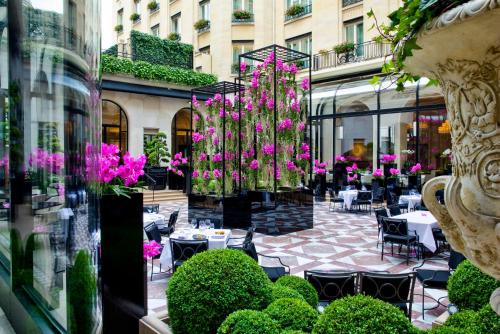 Four Seasons Hotel George V Paris photo 32