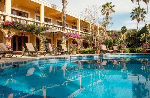 El Encanto Inn & Suites Photo