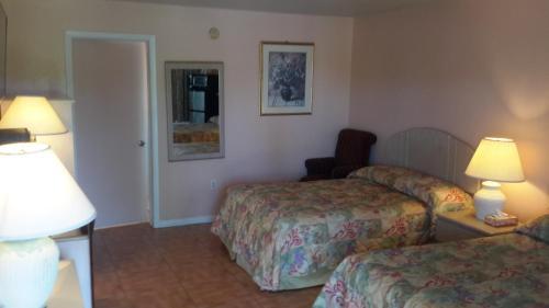 Conty's Motel Photo