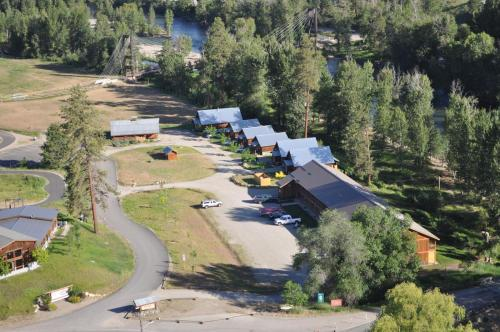 Methow River Lodge Photo