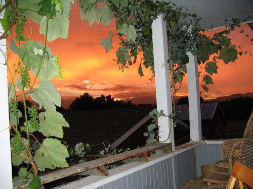 Mission Creek Farm House - Kelowna, BC V1W 4A9
