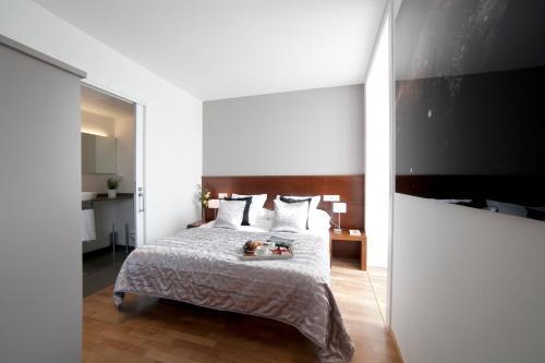 Serennia Apartamentos Ramblas - Plaça Catalunya photo 6