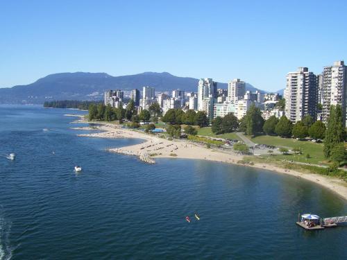 Stephens Suites In Kitsilano - Vancouver, BC V6K 3W5