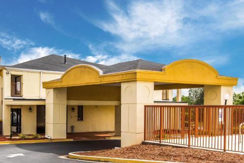 Econo Lodge - Conyers - Conyers, GA 30013