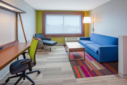 Holiday Inn Express & Suites Des Moines Downtown - Des Moines, IA 50309