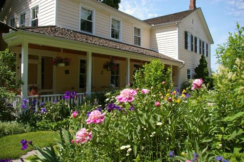 Royal Manor Bed & Breakfast - Niagara On The Lake, ON L0S1J0