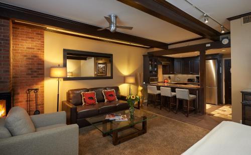 Aspen Square Condominium Hotel Photo