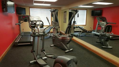 Country Inn & Suites by Radisson, Rapid City, SD Photo