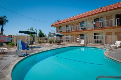 Vagabond Inn Bakersfield South - Bakersfield, CA 93307