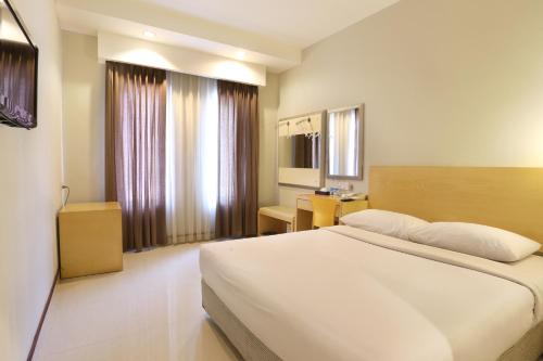 Triniti Hotel Batam photo 21