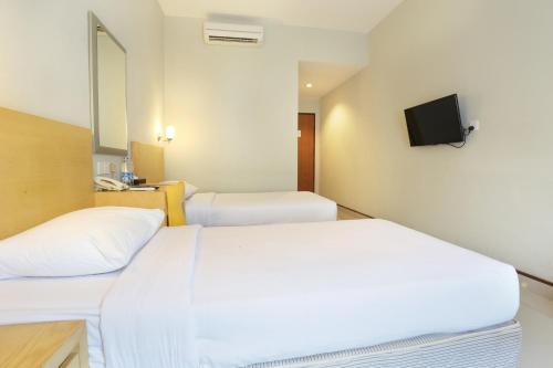 Triniti Hotel Batam photo 22
