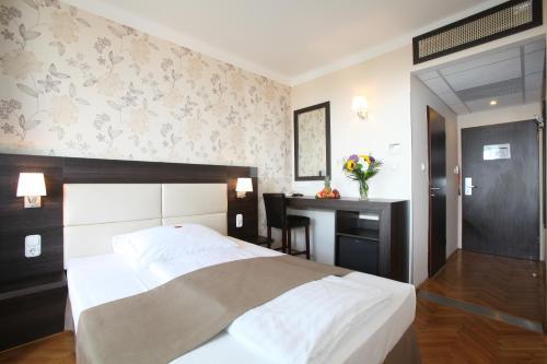 Medosz Hotel photo 47