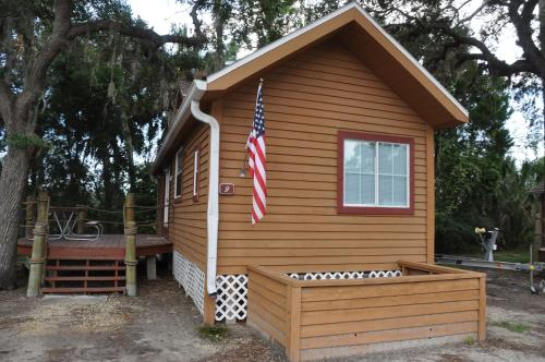 Crystal Isles Cabin 9 - Crystal River, FL 34429