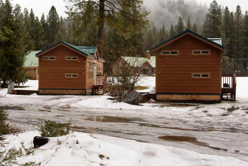 Leavenworth Camping Resort Cottage 8 Photo