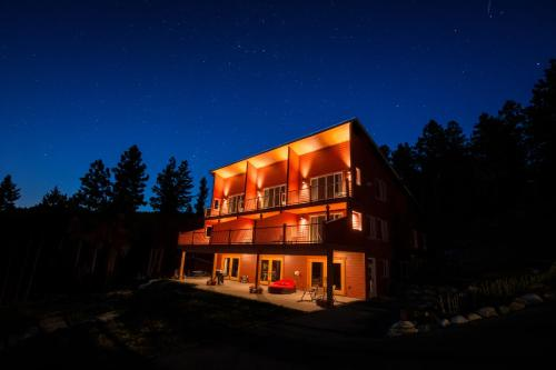 Crooked Tree Guest Suites - Penticton, BC V2A 8T3