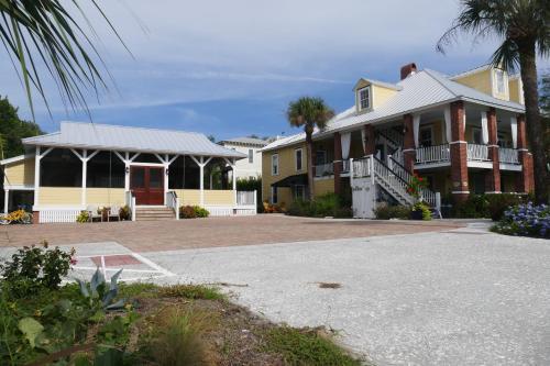 Beachview Bed And Breakfast & Inn - Tybee Island, GA 31328