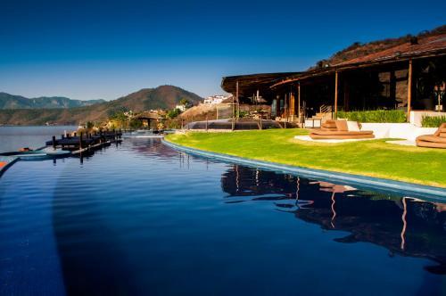 El Santuario Resort & Spa Photo