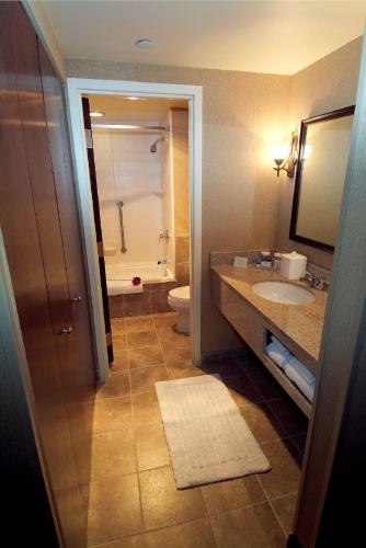 Doubletree Hotel Pittsburgh Airport - Coraopolis, PA 15108