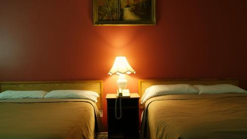 Blue Jay Motel - Peterborough, ON K9J 6X8