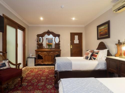 Madison Manor Boutique Hotel Photo