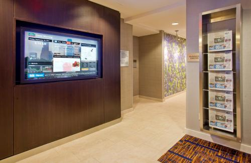 Courtyard By Marriott Houston Sugar Land - Stafford, TX 77477
