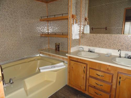 Grand View Guest House - Cody, WY 82414