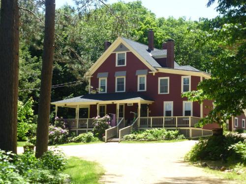 Bartlett Inn Photo