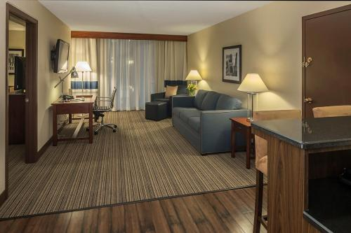 Doubletree By Hilton Hotel Pittsburgh - Cranberry - Mars, PA 16046