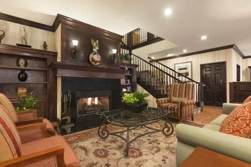 Country Inn & Suites by Radisson, Asheville at Asheville Outlet Mall, NC Photo