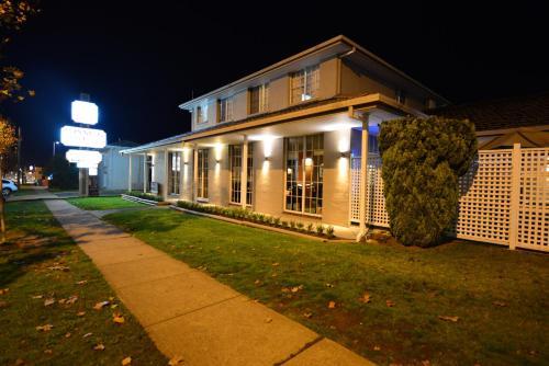 Winning Post Motor Inn