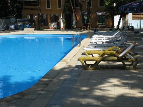 Отель Lotos