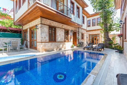 Antalya Villa Mavi Luxury Aparts indirim kuponu