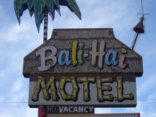 Bali Hai Motel - Yakima, WA 98901