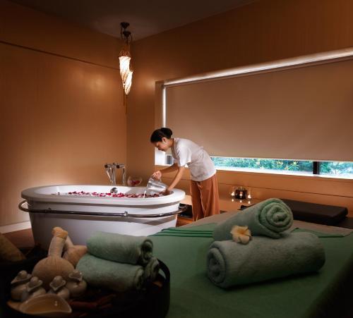 Hotel Maya Kuala Lumpur photo 8