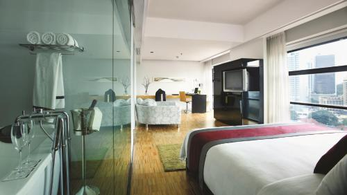 Hotel Maya Kuala Lumpur photo 10