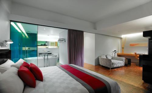 Hotel Maya Kuala Lumpur photo 12
