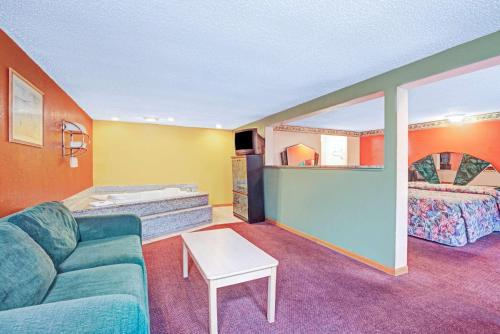 Express Inn Indianapolis photo 9
