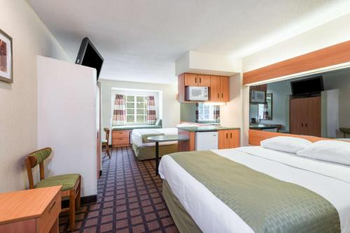 Microtel Inn & Suites By Wyndham Uncasville